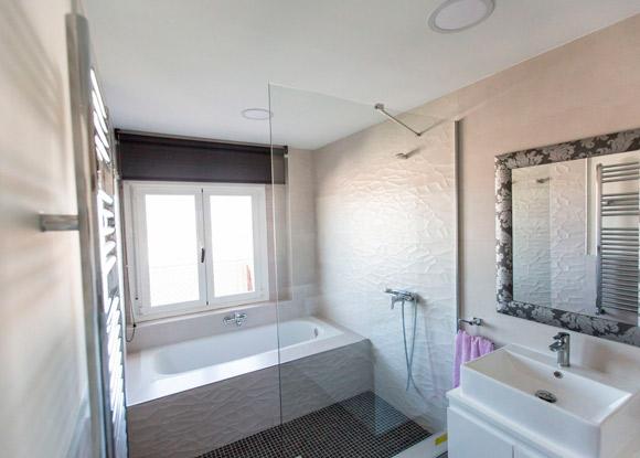baño refroamdo en la ciudad de madrud