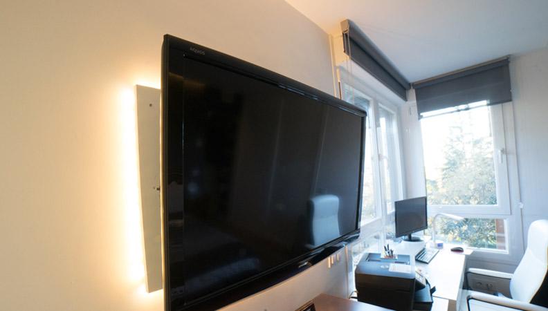 televisión con luces led