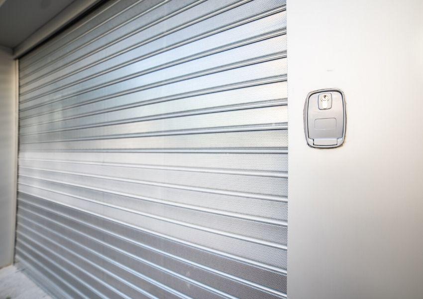 puerta exterior reforma local comercial